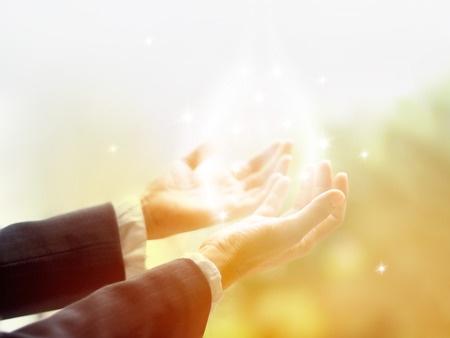 קדושים תהיו | צילום אתר 123rf