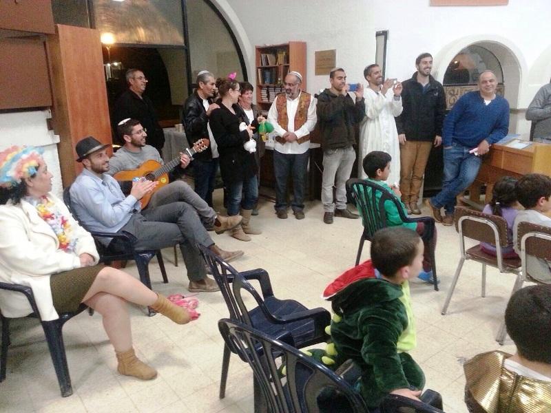 מגילה בקהילה חג פורים